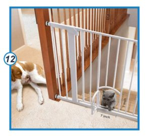 Number 40.Auto Close Safety Baby Gate with Arch Cat Door-min